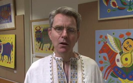 Джеффри Пайетт в вышиванке