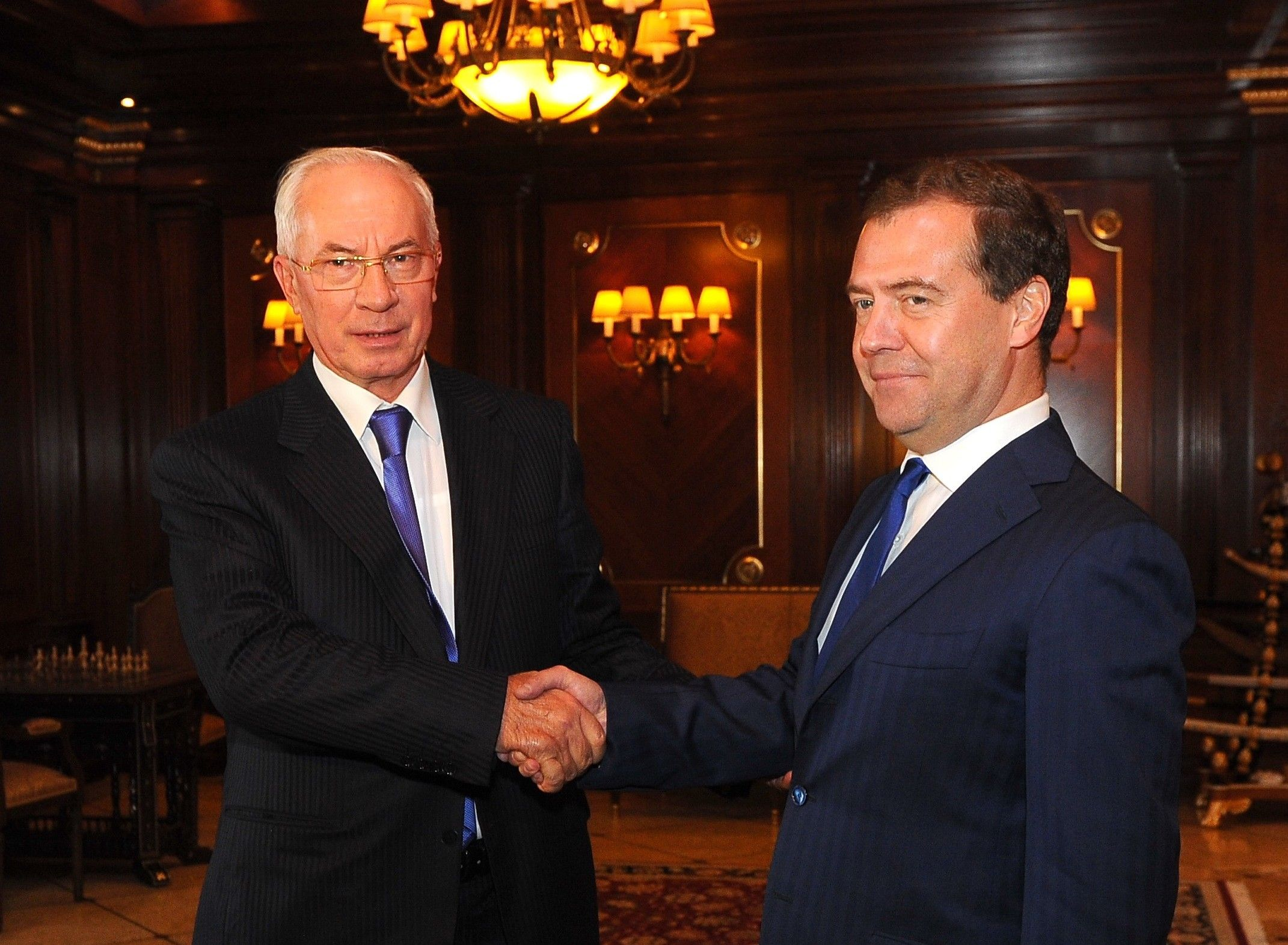 Азаров во время переговоров с Медведевым