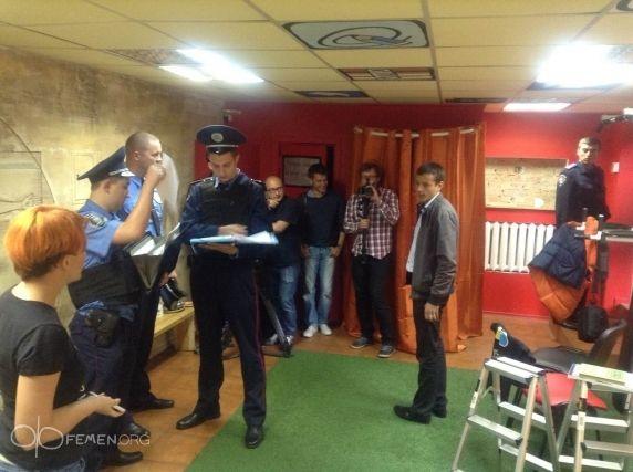 Милиция в офисе FEMEN