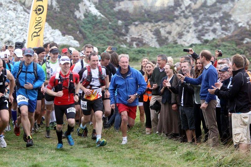 Участники марафонского забега, иллюстрация