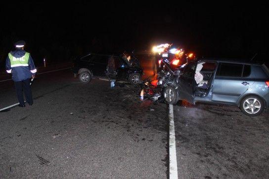 В ночном ДТП погиб человек, еще трое - ранены