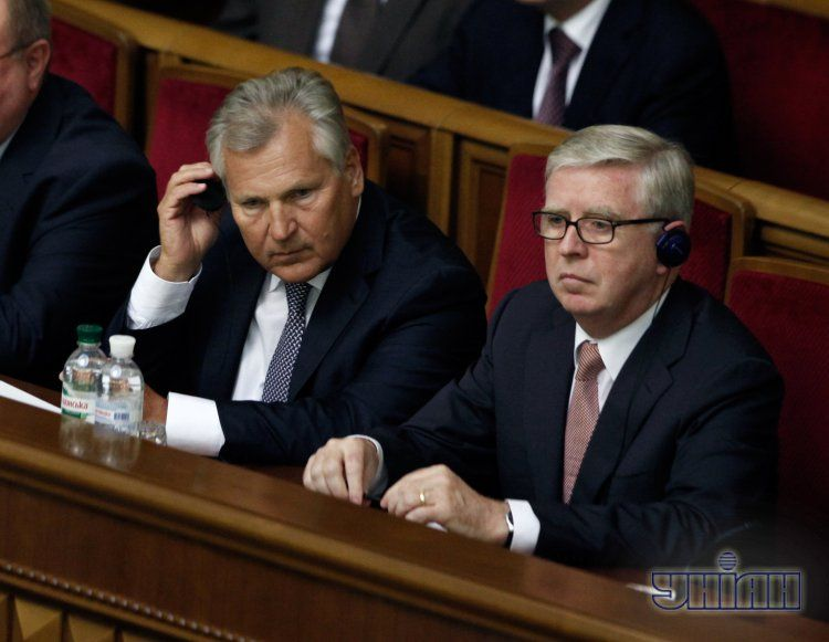 Александр Квасьневский и Пэт Кокс