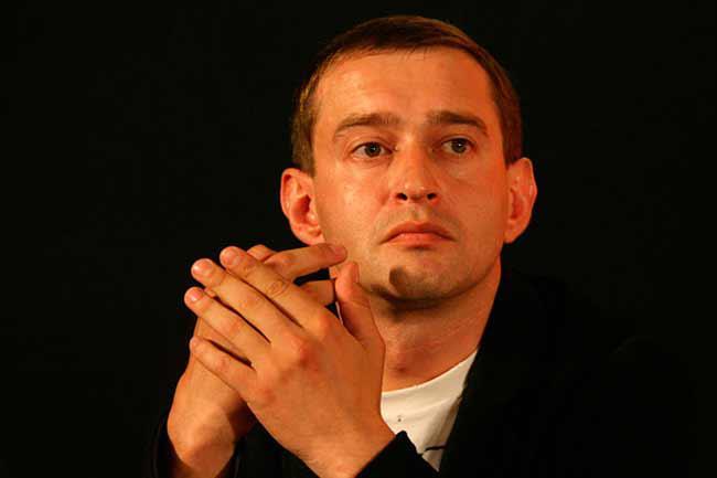 Хабенский поспорил с журналисткой после показа