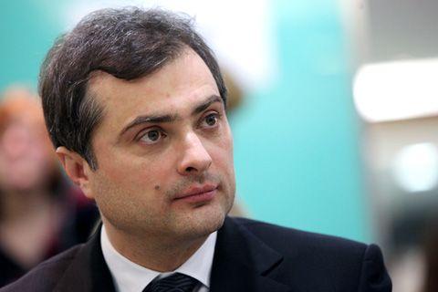 Эксперт сообщил, что у Владислава Суркова есть новый гибридный сценария для возвращения Украины в сферу влияния России