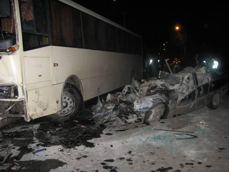 Столкнулись Ореl и автобус ЛАЗ
