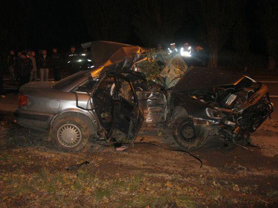 Тела погибших пришлось извлекать из машины с помощью специнструмента