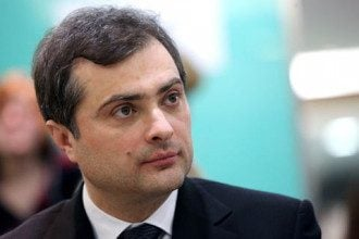 Политолог сообщил, что в Париже Владислав Сурков сделал жест, который мог понравиться Владимиру Путину - Нормандская встреча 9 декабря