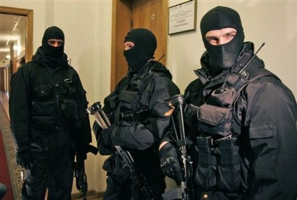 Спецназ СБУ на задержании, иллюстрация