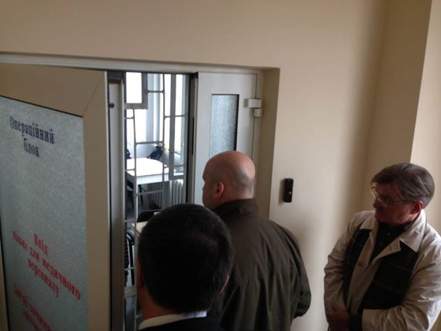 От двери палаты Тимошенко убрали охрану