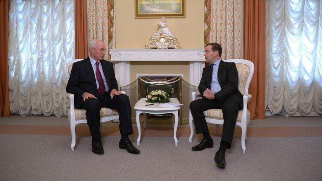 Азаров и Медведев встретились в Калуге