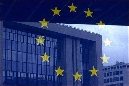Европарламент предложил защитить Киев от давления Кремля