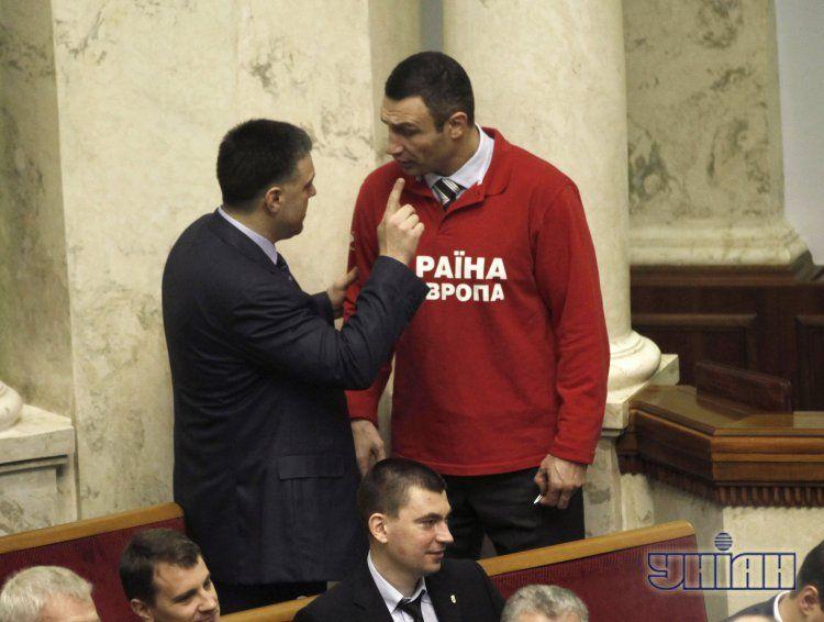 Олег Тягнибок и Виталий Кличко в Раде
