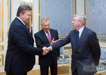 Кокс и Квасьневский на встрече с Януковичем