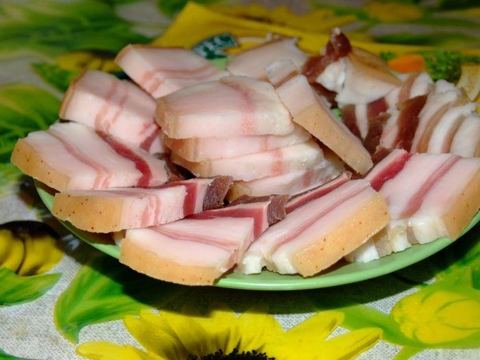Диетолог сообщила, что сало содержит полезные жиры