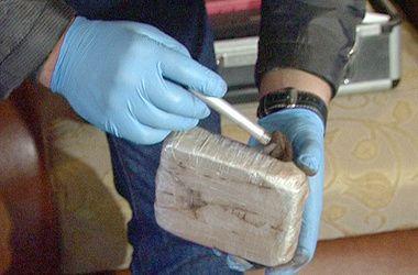 Наркотик хранился в таких брикетах - по 0,5 кг