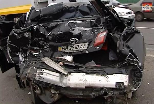 При ДТП зад машины Ващука был уничтожен