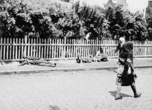 Люди гибли от голода прямо на улицах украинских городов