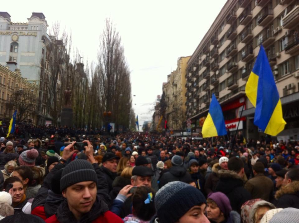 Евромайдан призвали к диалогу