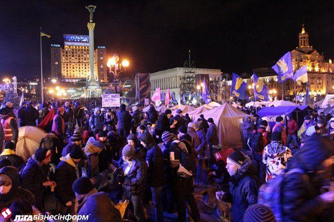 Вечерний Майдан в Киеве
