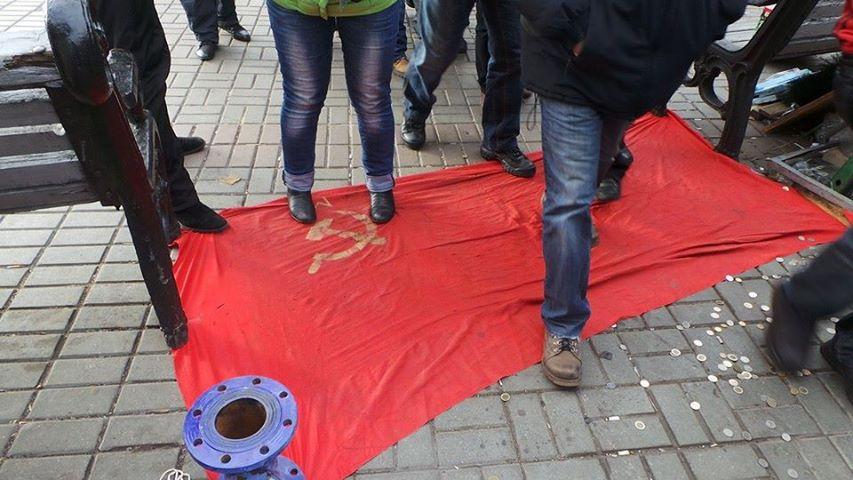 Активисты Майдан двинулись на Банковую