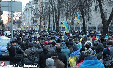 Евроймадан продолжает митинговать