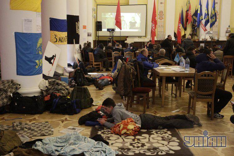 В здании КГГА разместился Штаб революции