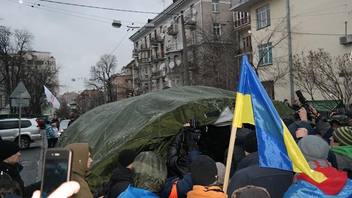 Палатка оппозиции