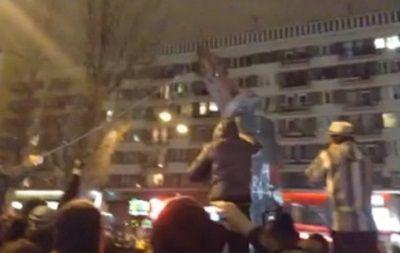 Снос памятника Ленину, стоп-кадр видео очевидца