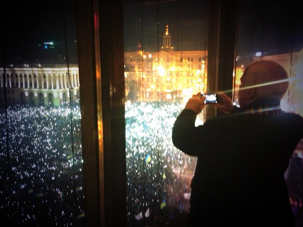 Сенатор Маккейн поражен увиденным на Евромайдане