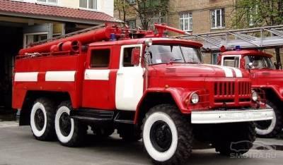Пожарные авто находятся в районе крушения самолета