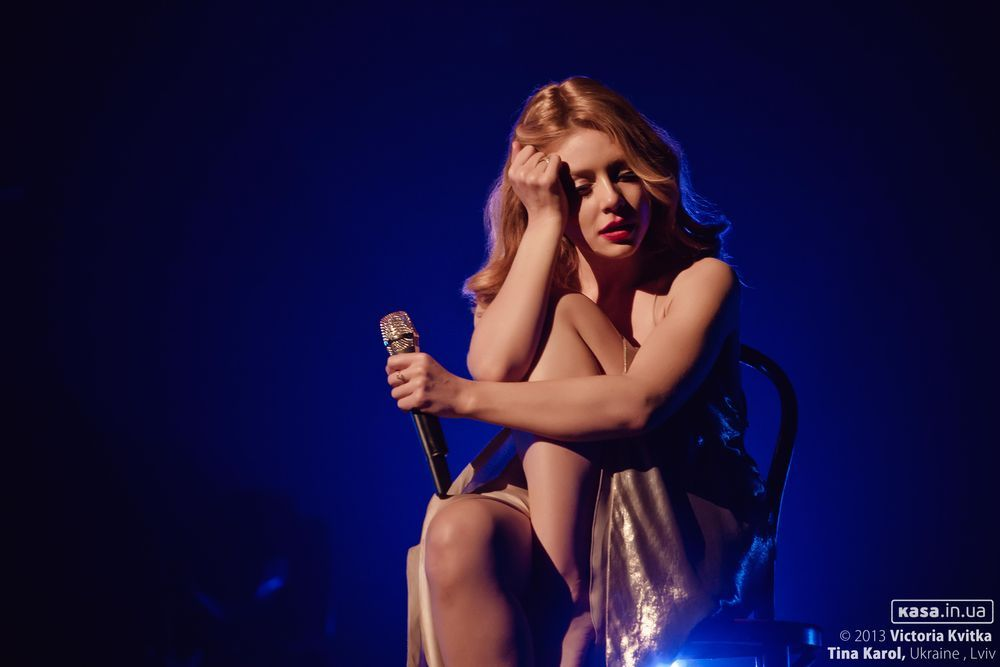 Певица дала прям на сцене, пизда моей жены любовник