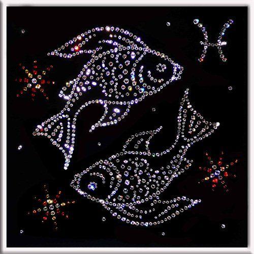 Рыбам звезды сулят непростой служебный роман - Гороскоп на 2020