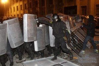 Предыдущий штурм Банковой закончился разгоном оппозиции.