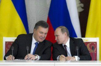 СМИ пишут, что Путин не помог Януковичу войсками