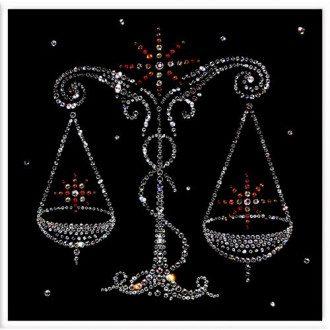 Астролог составил подробный гороскоп для знака Весы