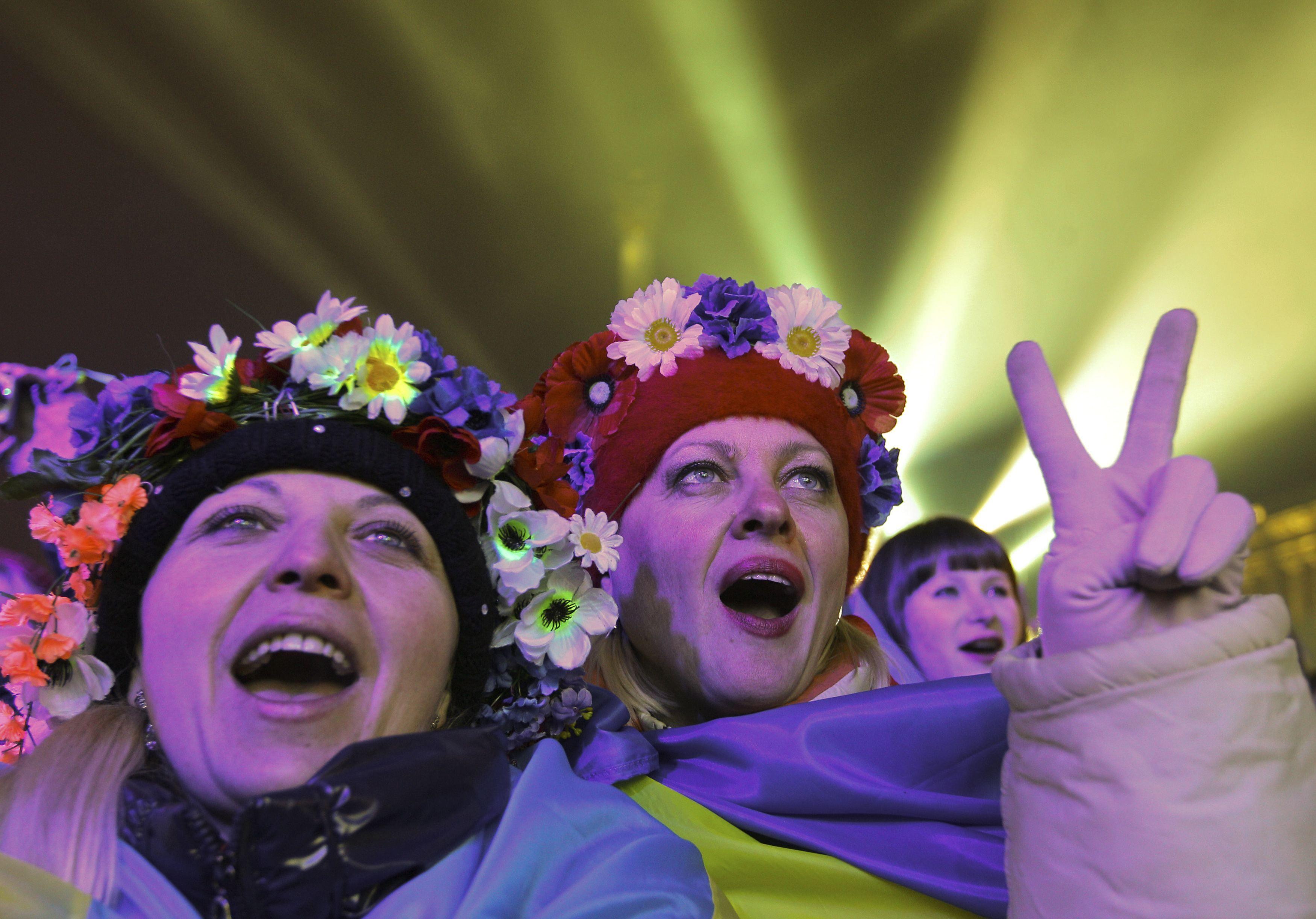 Опубликованы новые фото и видео праздничного Майдана: в милиции сотен тысяч людей не увидели