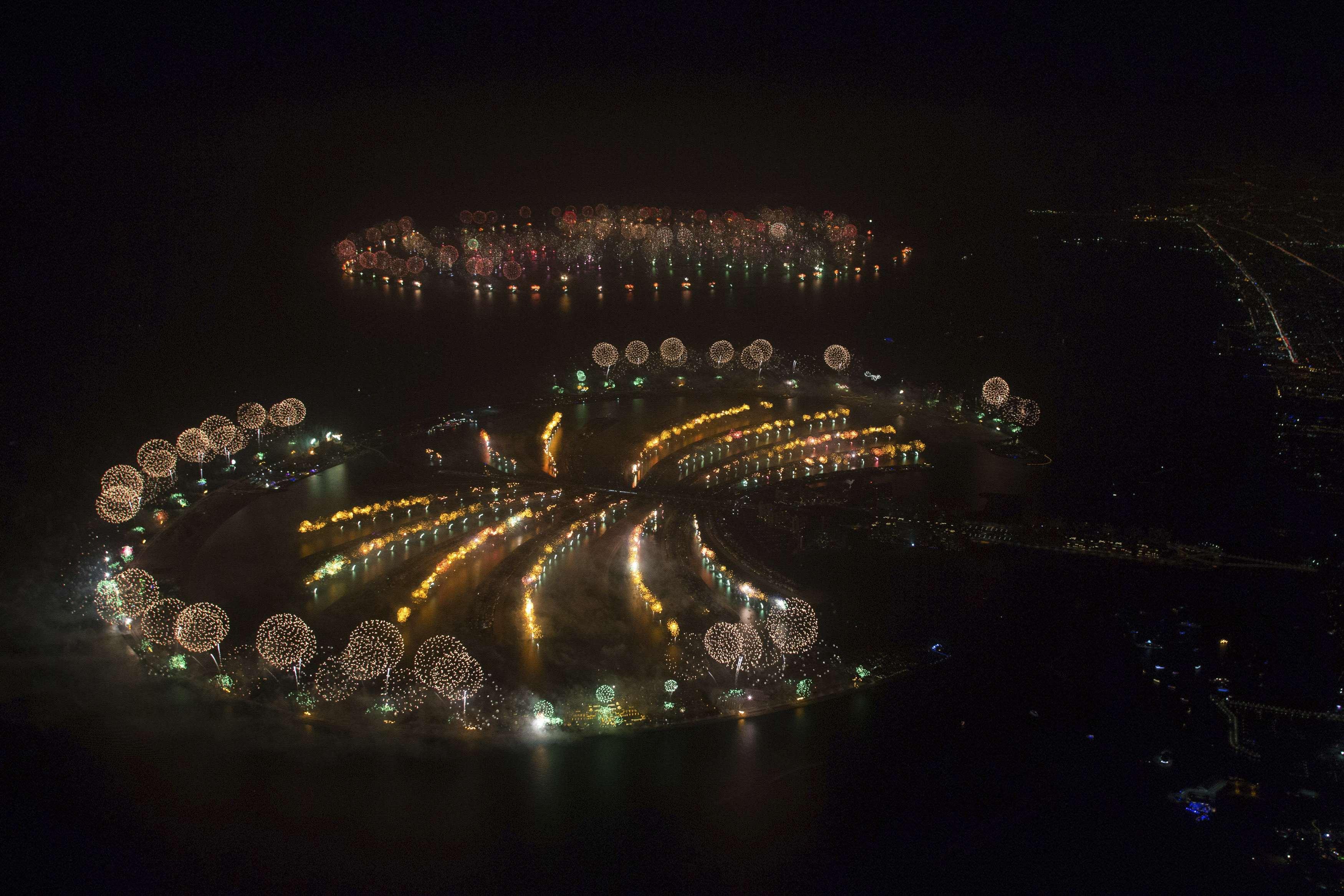Фейерверк-шоу в Дубаи
