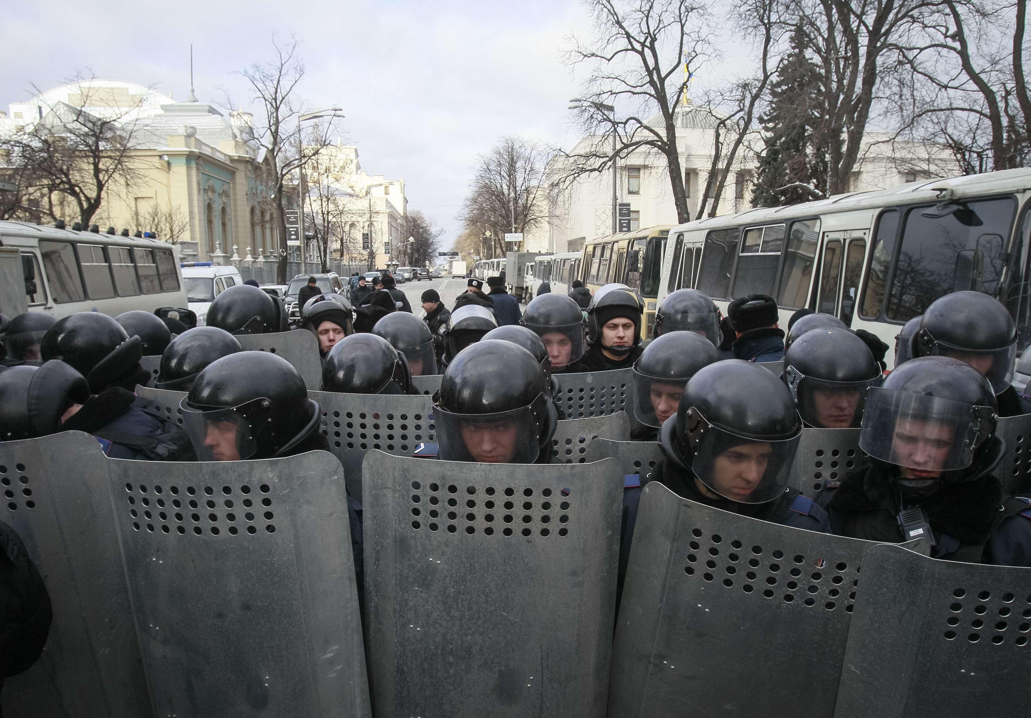 """Бойцы """"Беркута"""" на Грушевского"""