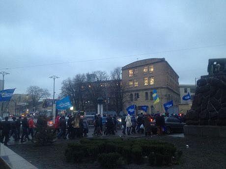 """В центр Киева стягивают """"Беркут"""" и сторонников Партии регионов: опубликованы фото"""