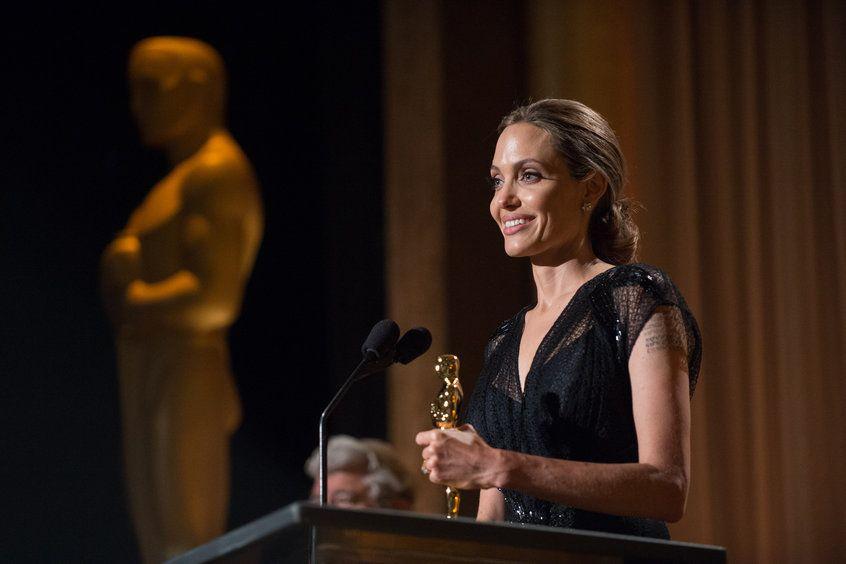 Анджелина Джоли получит награду имени Джина Хершолта