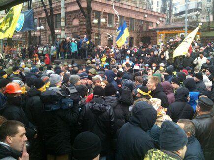 """Против борцов """"за порядок"""" вышли активисты Евромайдана"""