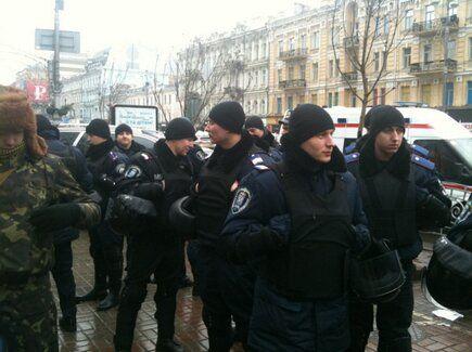 Милиция наблюдала за событиями, оставаясь в стороне