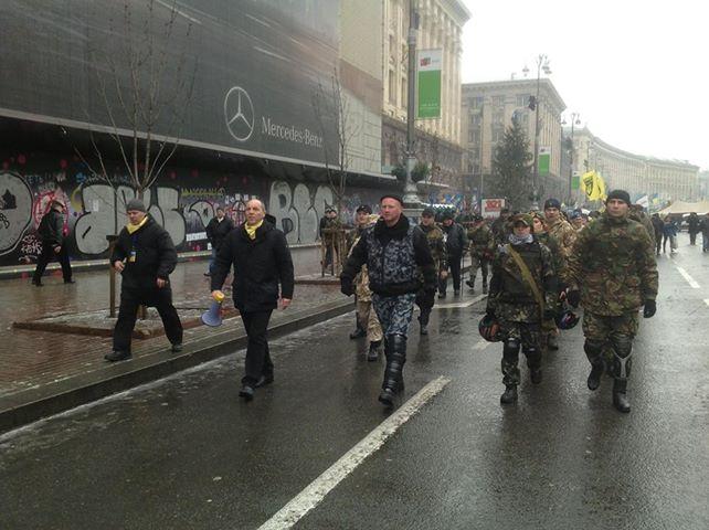 """К """"защитника порядка"""" вышел комендант Майдана Андрей Парубий"""