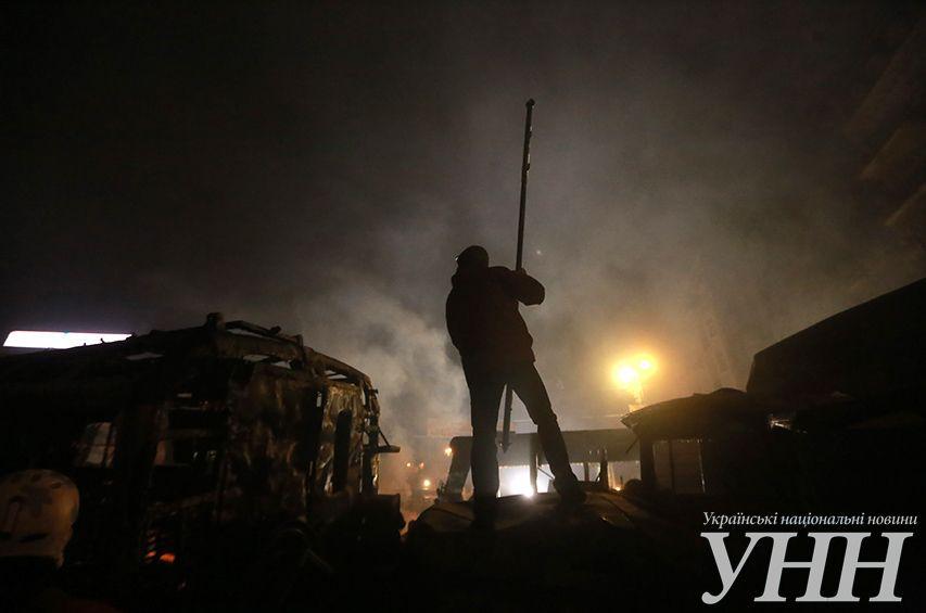 """""""Беркут"""" на Грушевского использовал """"коктейли Молотова"""": опубликованы фото и видео"""