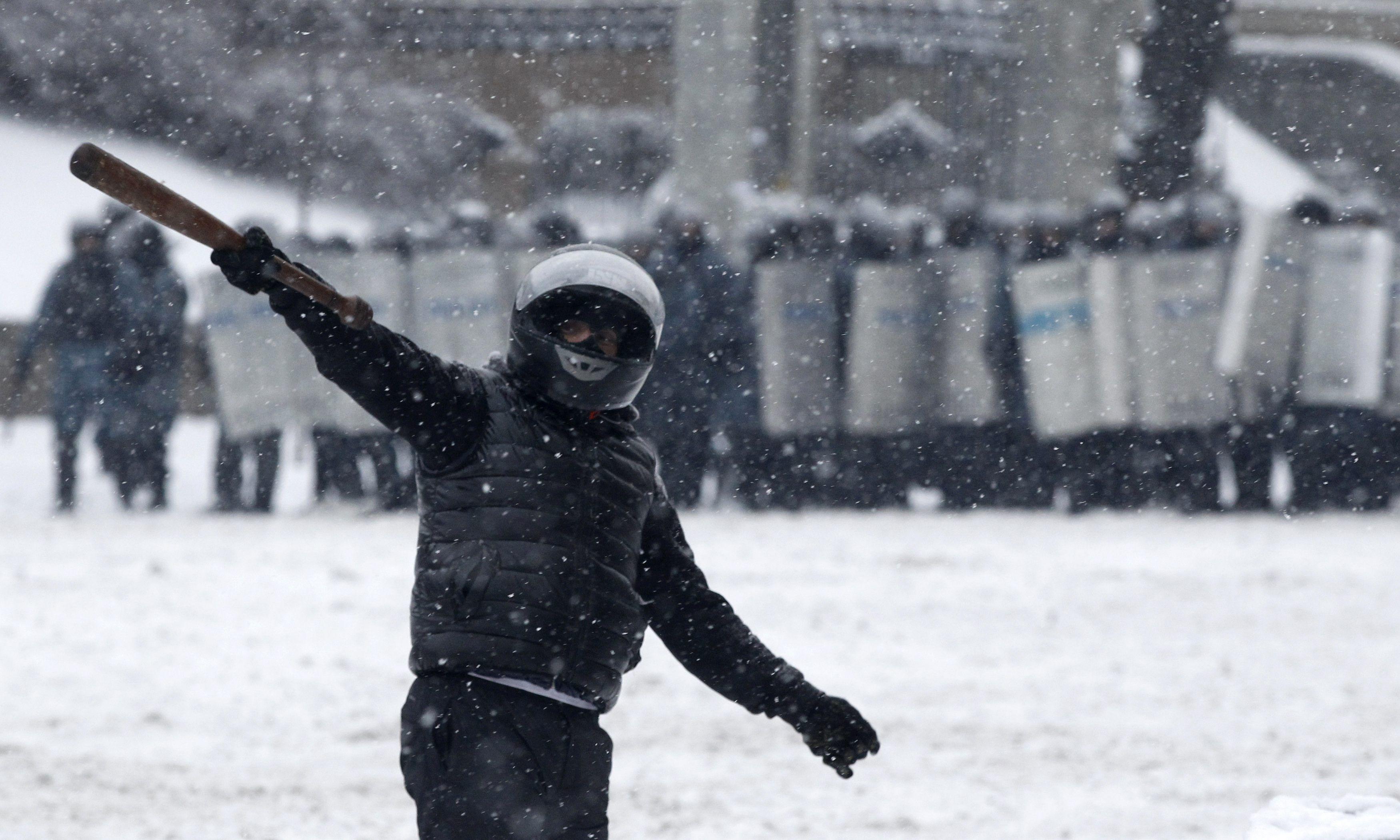 Стычки на Грушевского, 22 января, Беркут