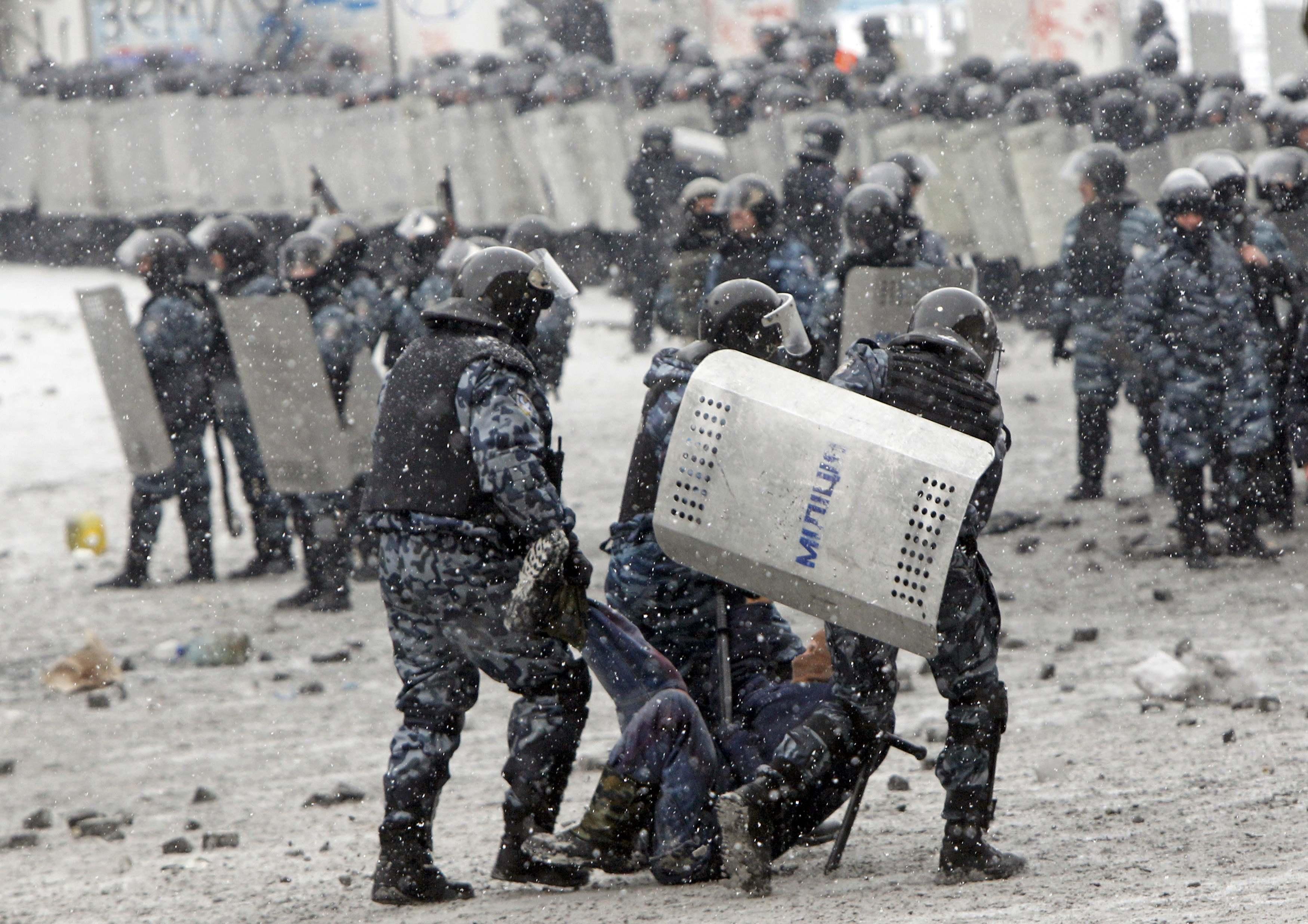 Действия милиции на Грушевского. Иллюстрация