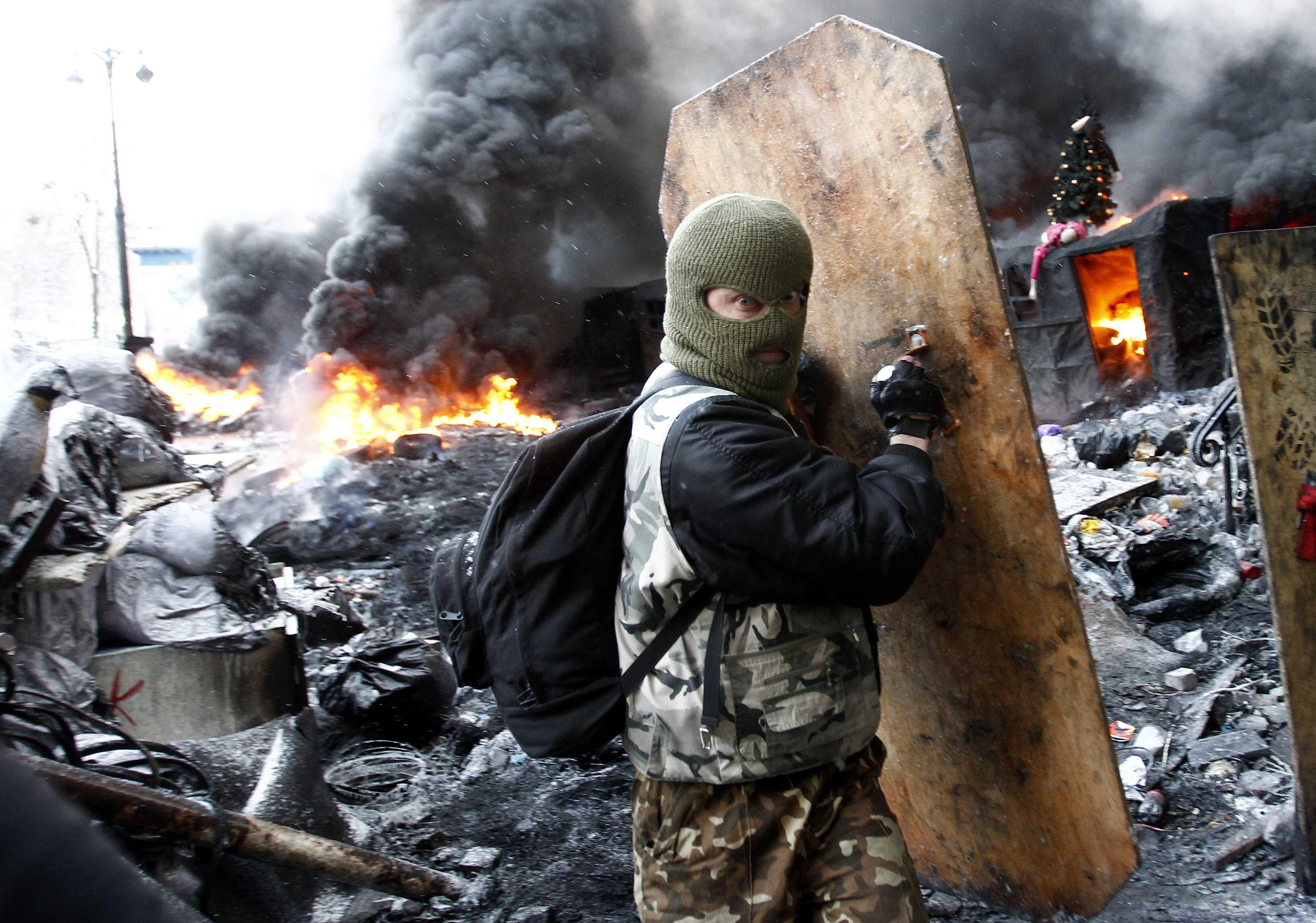 Тягнибок объявил на Грушевского перемирие