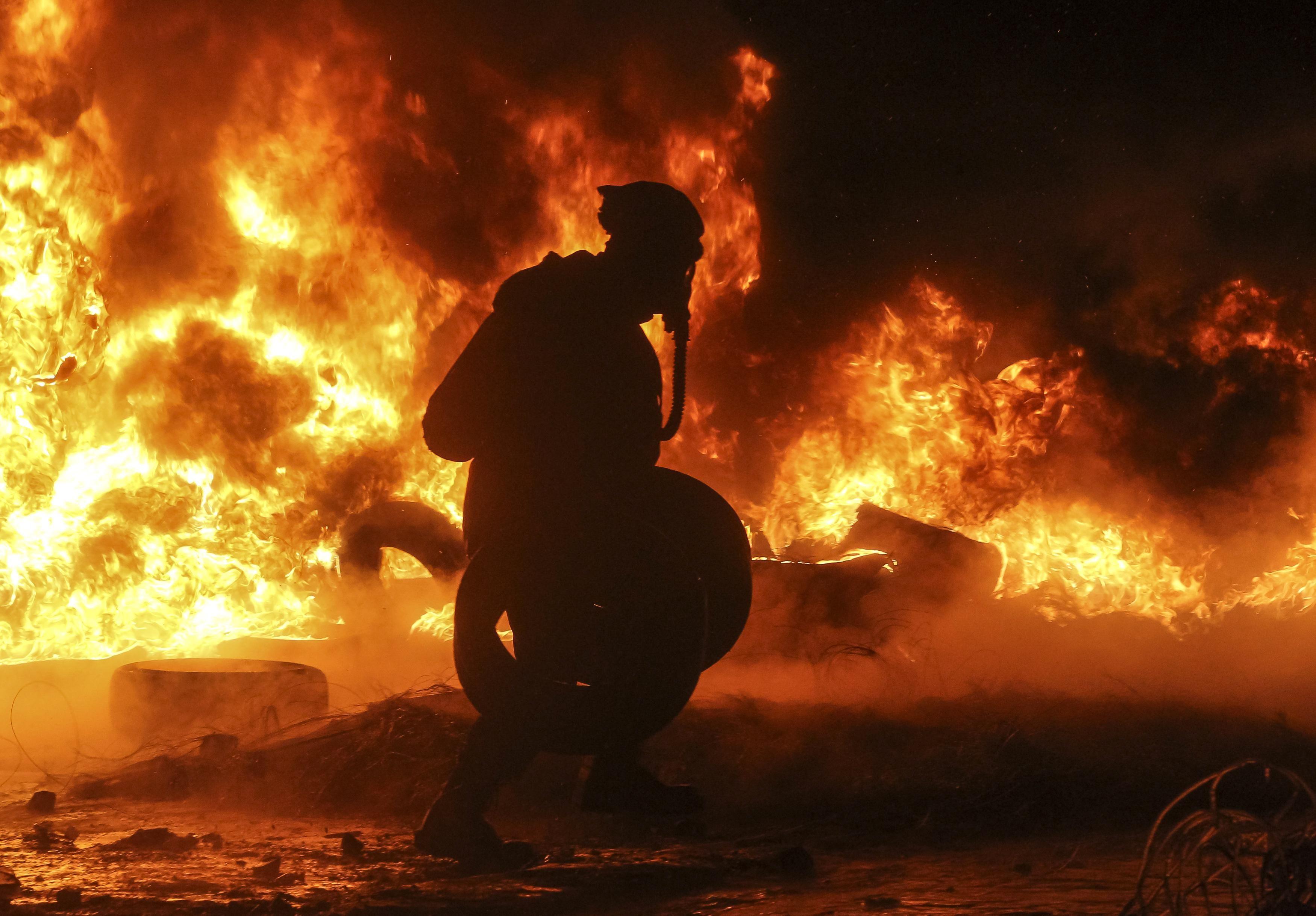 Огненная баррикада на ул. Грущевского
