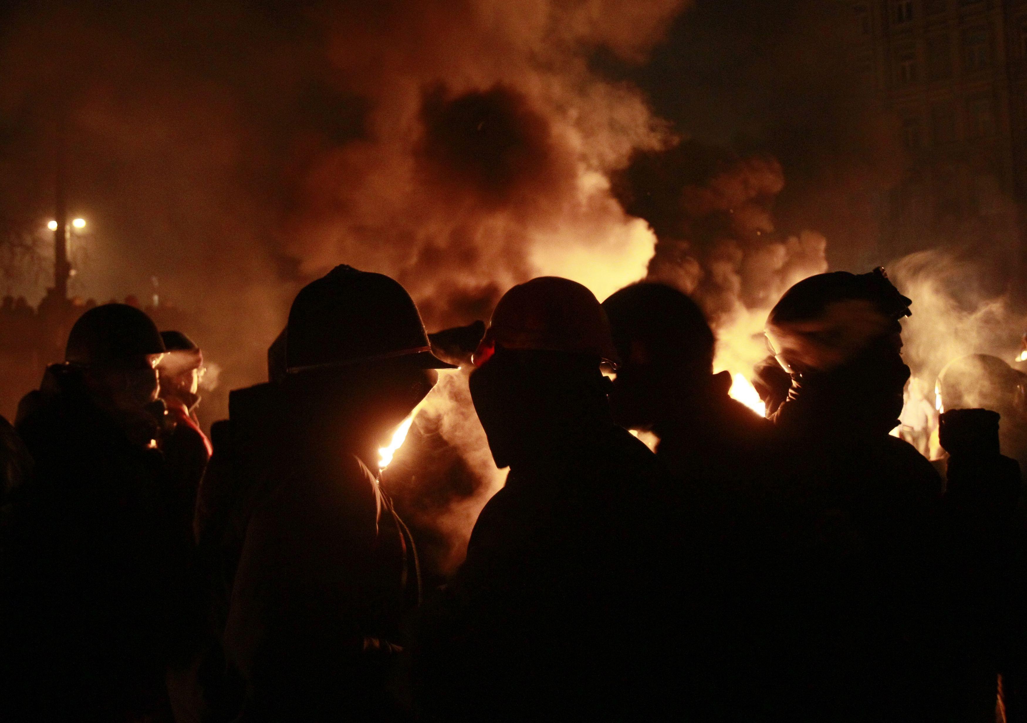 В центре Киева шестяие сутки продолжается противостоние