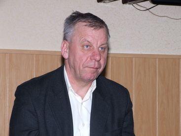 депутат горсовета от ПР, директор КП Виктор Палагута.